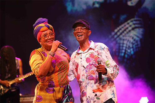 Photo: Marcia Griffiths (left) and Beres Hammond (right)