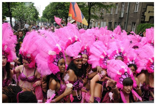 berlin_carnival_fantastic_flamingos_may23-053
